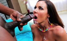 Voluptuous and MILF Kendra Lust gets her fucked by Lexington