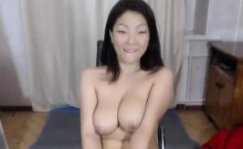 Sexy Asian MILF Pussy Play on Webcam