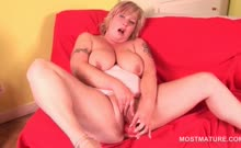 Wild mature tramp playing around with hot sex toys