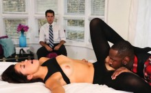 Slutty babe Izzy Bell interracial fuck with black boner