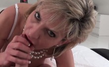 Adulterous uk mature lady sonia pops out her large boobs