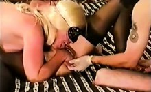 Homemade 3some Hardcore Going Knuckle Deep And Toying