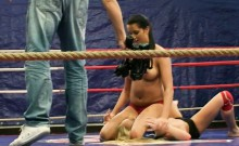 Pussylicking Babe Wrestles In A Boxing Ring