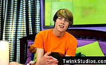 Hot twink scene Elijah White is another Florida-native twink