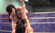 Eurobabe wrestling and pussytoying asian teen