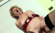 Hot as fuck GILF with tight cunt riding hard boner