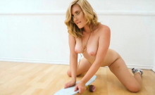 Skateboarding big butt blonde Manda Kay striptease