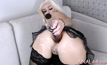 Fetish pornstar fisting her anal herself really deeply