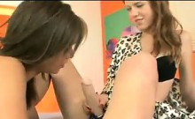 Horny Girls Meet In Private
